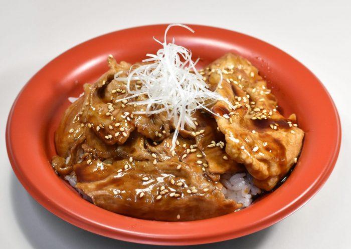 D51 豚丼 820円(税込)
